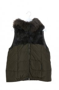 sale:FUR DOWN VEST/khaki<img class='new_mark_img2' src='//img.shop-pro.jp/img/new/icons16.gif' style='border:none;display:inline;margin:0px;padding:0px;width:auto;' />
