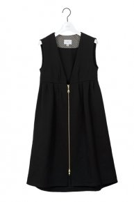 GILLET DRESS/black<img class='new_mark_img2' src='https://img.shop-pro.jp/img/new/icons1.gif' style='border:none;display:inline;margin:0px;padding:0px;width:auto;' />
