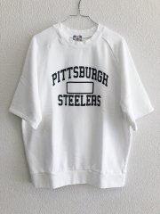 <img class='new_mark_img1' src='//img.shop-pro.jp/img/new/icons14.gif' style='border:none;display:inline;margin:0px;padding:0px;width:auto;' />umi/PITTSBURGH STEELERS LOGO半袖スウェット