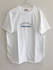 <img class='new_mark_img1' src='//img.shop-pro.jp/img/new/icons14.gif' style='border:none;display:inline;margin:0px;padding:0px;width:auto;' />umi/SEA SMILES LOGO Tシャツ