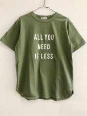 u.m.i/ALL YOU NEED IS LESS半袖Tシャツ