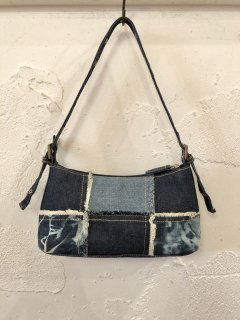 Vintage Paneled Denim Hand Bag<img class='new_mark_img2' src='//img.shop-pro.jp/img/new/icons50.gif' style='border:none;display:inline;margin:0px;padding:0px;width:auto;' />