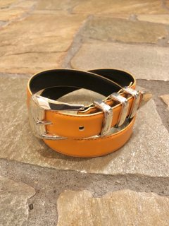 Vintage Orange Faux Leather Belt sizeS<img class='new_mark_img2' src='//img.shop-pro.jp/img/new/icons50.gif' style='border:none;display:inline;margin:0px;padding:0px;width:auto;' />