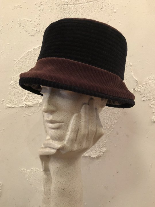 Vintage 2Tone Corduroy Hat Black/Brown M-L<img class='new_mark_img2' src='https://img.shop-pro.jp/img/new/icons50.gif' style='border:none;display:inline;margin:0px;padding:0px;width:auto;' />