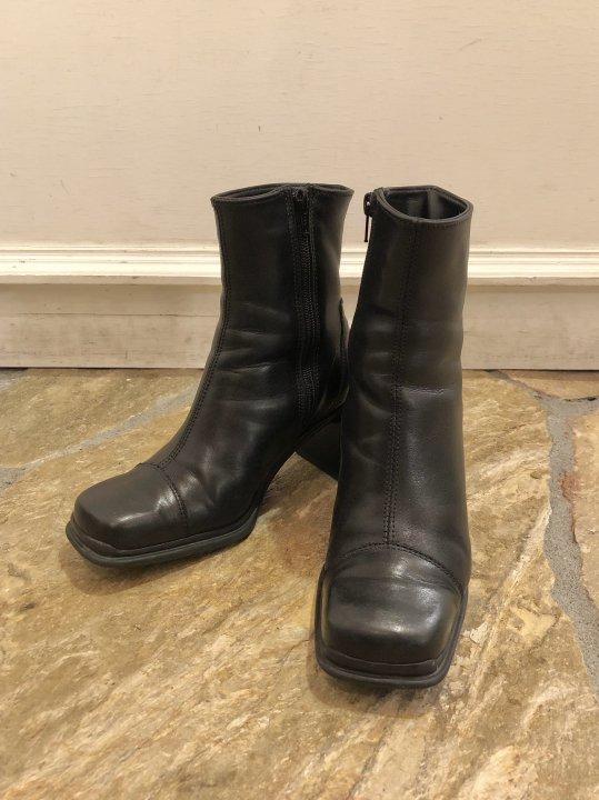 Vintage Black Leather Heel Boots 23.5-24.0cm