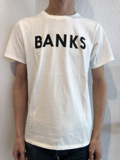 <img class='new_mark_img1' src='https://img.shop-pro.jp/img/new/icons14.gif' style='border:none;display:inline;margin:0px;padding:0px;width:auto;' />BANKS Tシャツ
